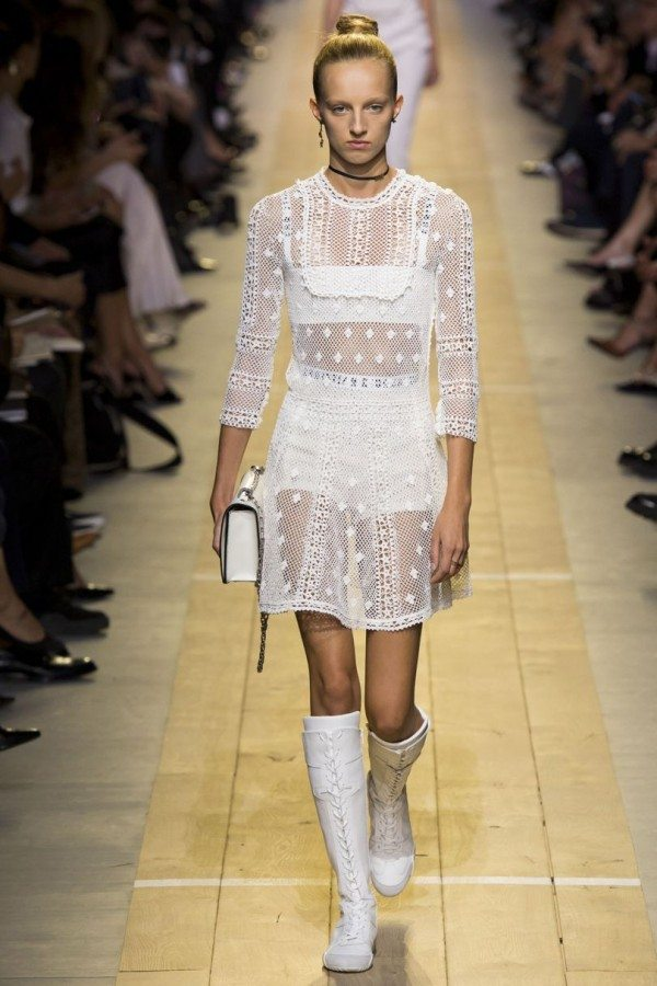 dior-ss17_great_white_dress